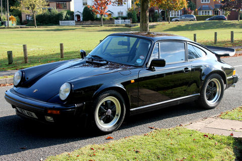 Porsche 911 Carrera 3.2 Coupe